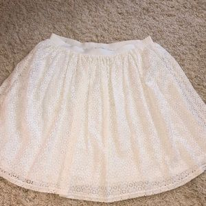 Chaps xl cream skirt -appears new
